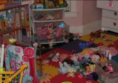 Bazar dans les jouets d'enfants